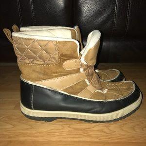 Khombu winter boots size 9